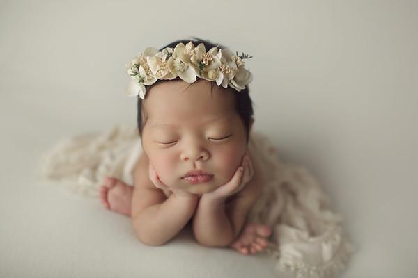 emilee annabelle newborn