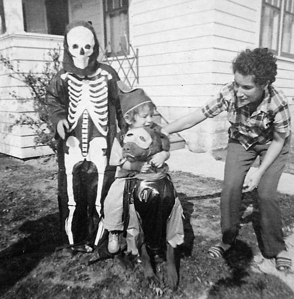 Aunt Julia, Edwin & George.JPG