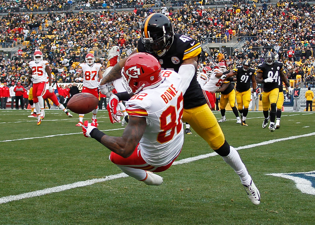 . PITTSBURGH, PA - DECEMBER 21:  Antwon Blake #41 of the Pittsburgh Steelers breaks up a pass intended for Dwayne Bowe #82 of the Kansas City Chiefs during the second quarter at Heinz Field on December 21, 2014 in Pittsburgh, Pennsylvania.  (Photo by Justin K. Aller/Getty Images)