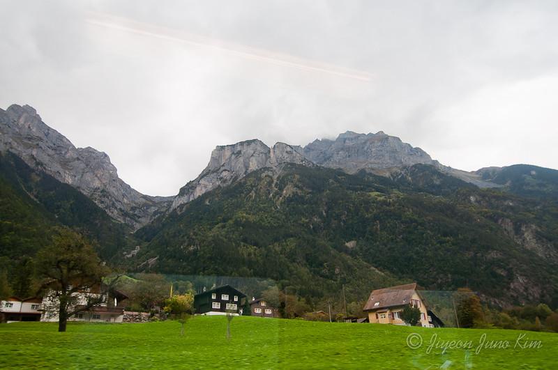 train-Switzerland-6422.jpg