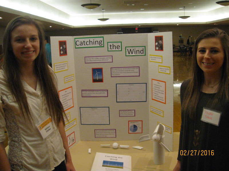 Melissa Pfeifer '16 and Taylor Gabel '16