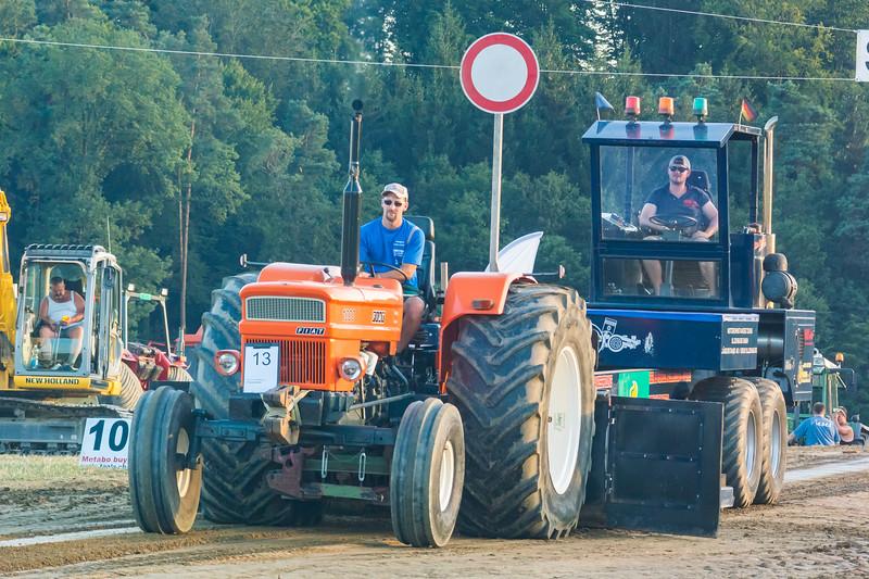 Tractor Pulling 2015-9163.jpg