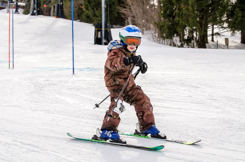 Standard-Races_2-7-15_Snow-Trails-173.jpg