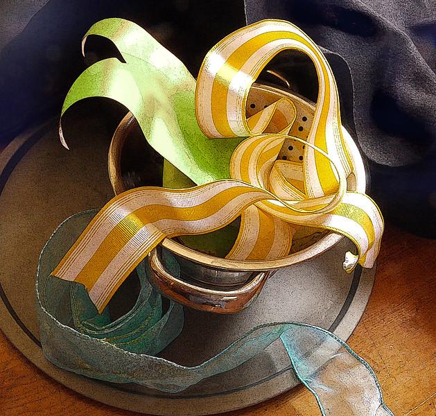 Ribbons in Strainer BG blued.jpg