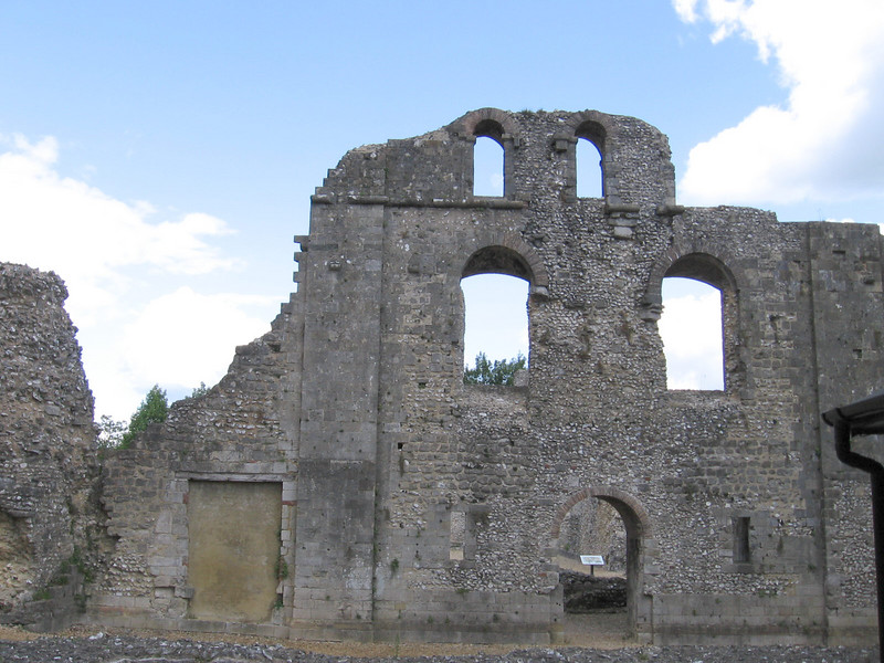 The ruins of the Bishop's Palace begun by Henry of Blois, Bishop of Winchester from 1129.