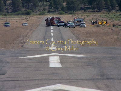 Airplane crashes at Sisters Airport