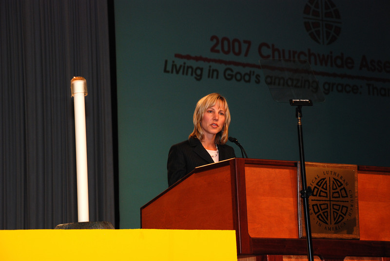 Christina Jackson-Skelton, Treasurer of Office of the Treasurer addressing Churchwide Assembly.