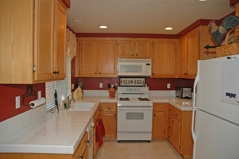 pinon kitchen.jpg