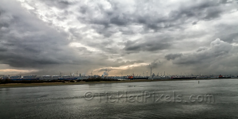 Oil and Wind - Port of Rotterdam