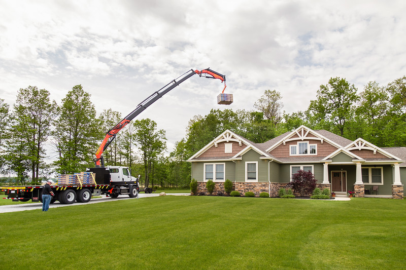 Palfleet Roofing Crane 15.jpg