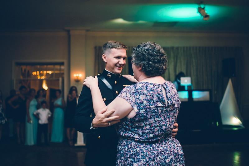 Philadelphia Wedding Photographer - Bernreuther-649.jpg