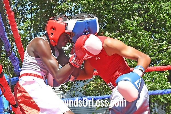Bout 6 Tyshawn Denson, Red Gloves, Akron -vs- Michael Davis, Blue Gloves, St. Louis, MO 101 Lbs