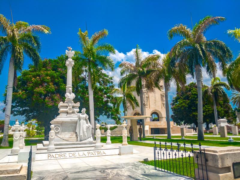 santa ifigrnia cemetery santiago de cuba-12.jpg