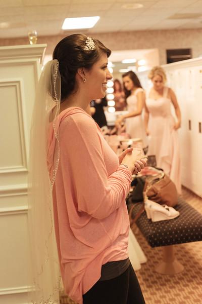 Matt & Erin Married _ getting ready  (108).jpg