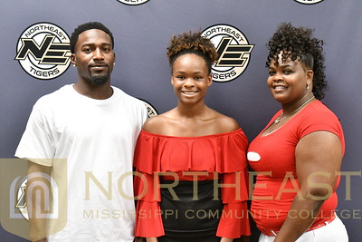 2018-08-10 WBB Quitonya Webster Family Photo