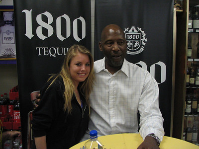 James Worthy 1800 Signing 022710
