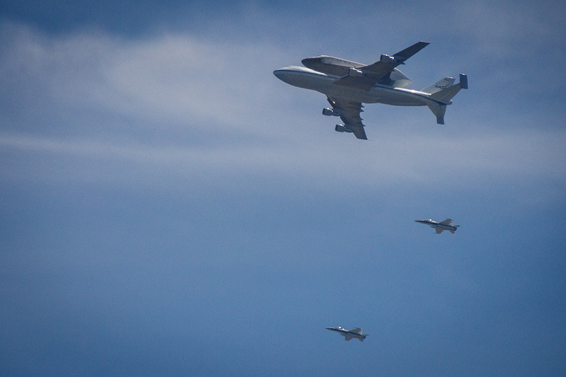 sep 21 - endeavour flyover in pacific palisades.jpg