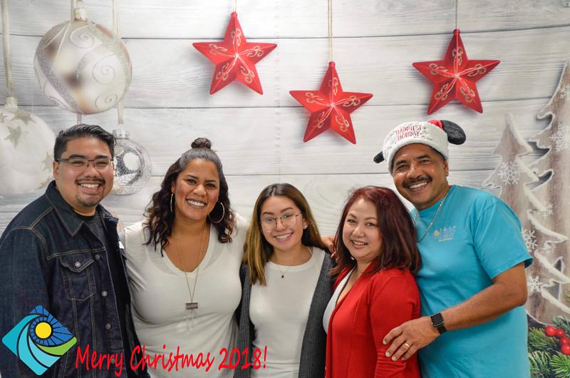 Christmas Photobooth 2018-055_01.jpg