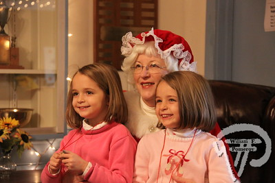 ORLEANS YACHT CLUB — pancake breakfast with . . . mrs. claus ~ santa by boat — Orleans, MA 11 . 28 - 2009