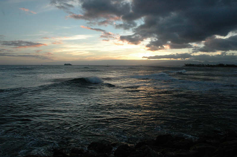 Hawaii - Ala Moana Beach Sunset-66.JPG