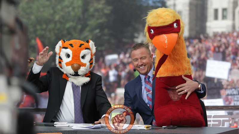 Lee Corso wears a Clemson Tiger head as he picks them to win the game over the Hokies at the end of the show. (Mark Umansky/TheKeyPlay.com)