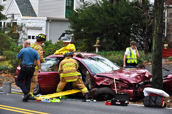 11-5-10 Ridgewood, NJ Motor Vehicle Entrapment: 433 East Saddle River Road
