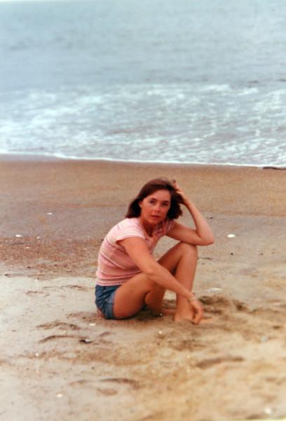 1976 GINA.jpg