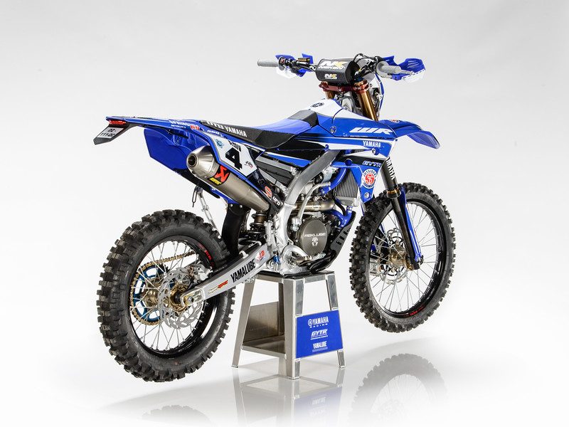 2017_YR_OUTS_static_WR450F_LARRIEU_006.jpg