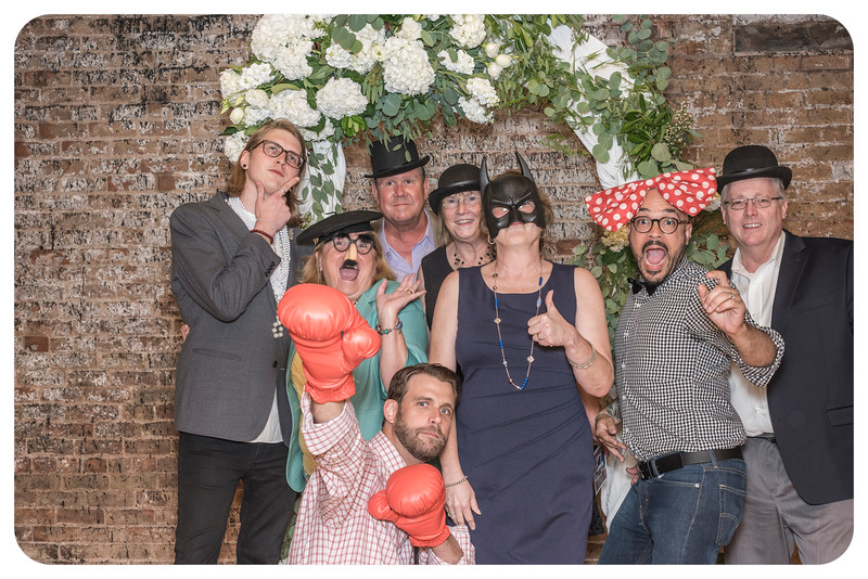 Laren&Bob-Wedding-Photobooth-101.jpg