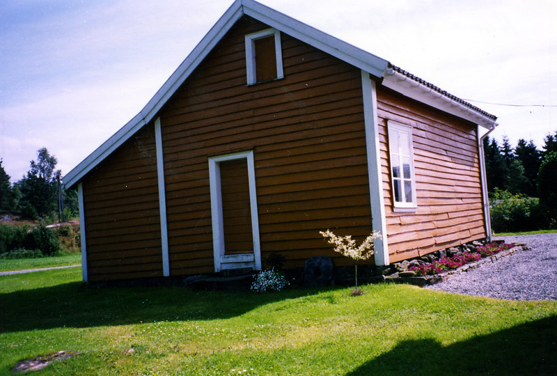 2002-037.jpg