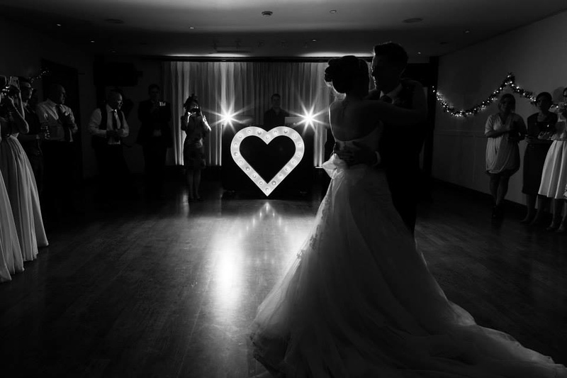 wedding-photographer-first-dance-heart-maidensbarn-(79).jpg