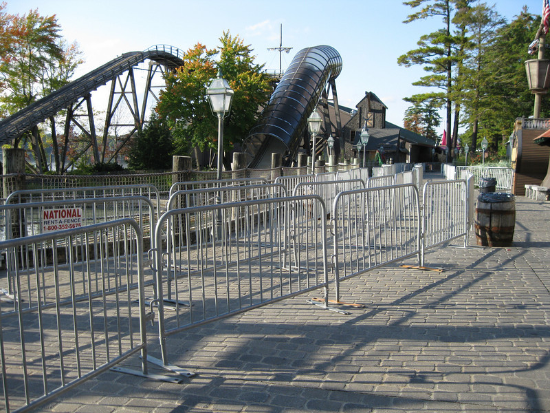 The haunt queues were extremely long, stretching all the way down the Olde Boston wharf midway.