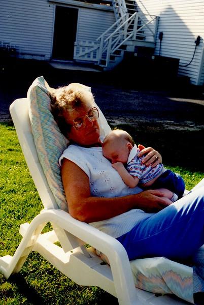 Oma104 (1) Aug 92.jpg