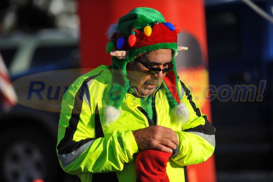 Finish Gallery 2 - 2016 Shelby Twp. Jingle Bell Run