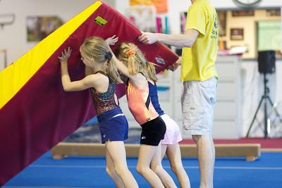 Girls Level 1 Thursday 4:00 pm - Fall 1 2010