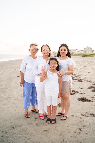 Mom_70th_Bday_Galveston_2019-126.jpg
