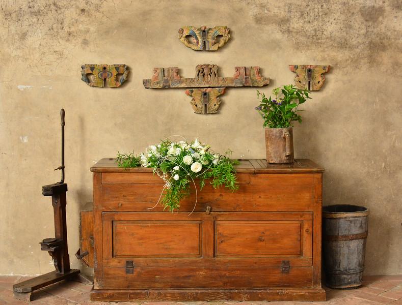 Italy trebbio courtyard chest ws lighter .jpg
