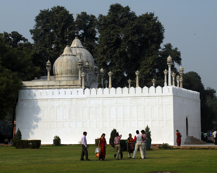 Red Fort Mosque.jpg