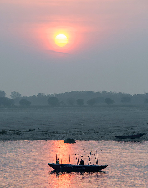 Fishing on the Ganges.jpg