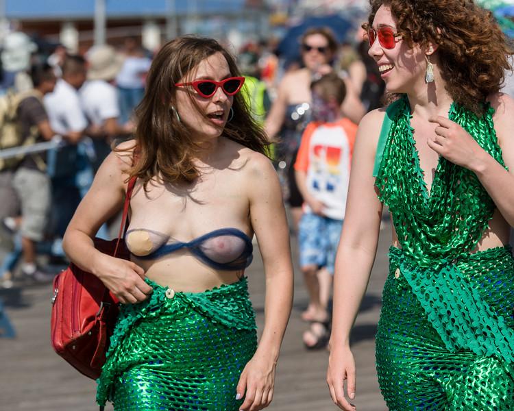 2019-06-22_Mermaid_Parade_0705.jpg