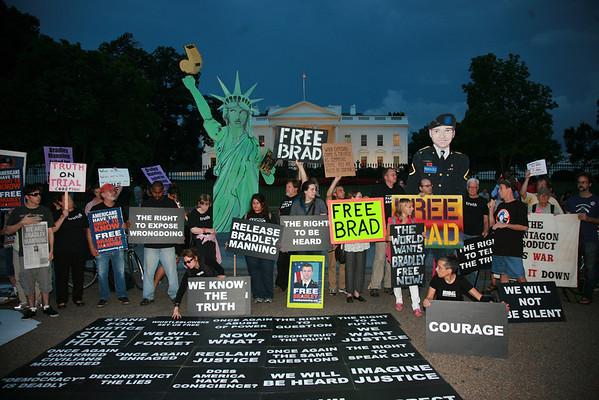 Bradley Manning  Vigil White House AUGUST 21, 21013