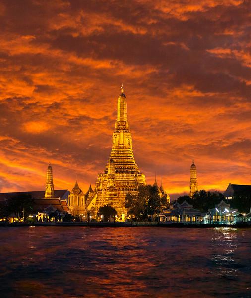 Wat Arun. Sunset.