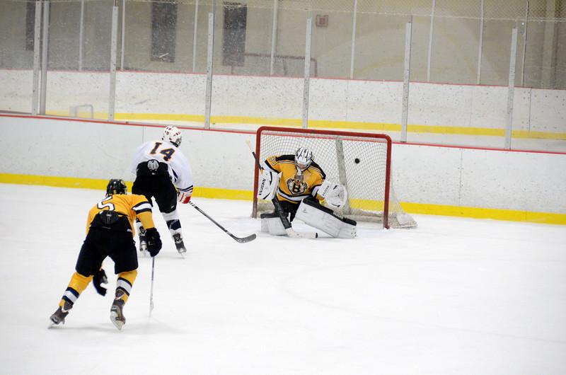 141004 Jr. Bruins vs. Boston Bulldogs-236.JPG