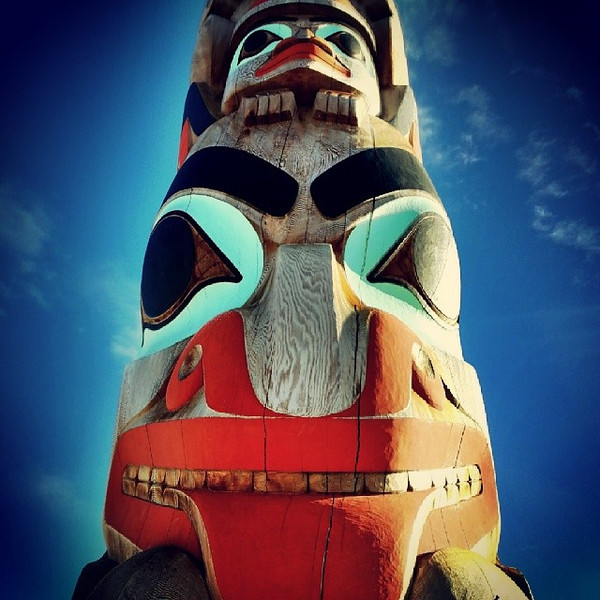 Love_this_totem_pole_in_downtown_Jasper..jpg
