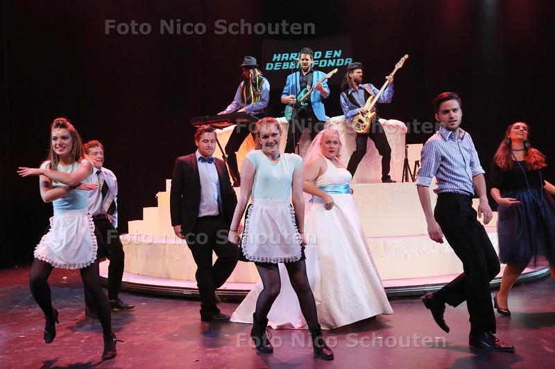 Generale repetitie van het stuk The Wedding Singer in het Kwadrant - ZOETERMEER 17 SEPTEMBER 2015 - FOTO NICO SCHOUTEN