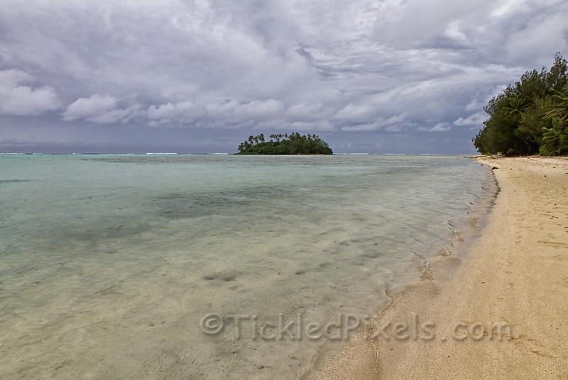 Taakoko Island from Muri Beach