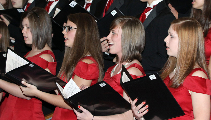 Lutheran-West-High-School-Choir-Fall-2012---c143915-015.jpg
