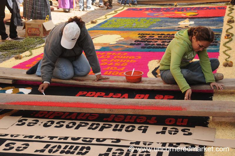 Alfombra Workers, Semana Santa - Antigua, Guatemala
