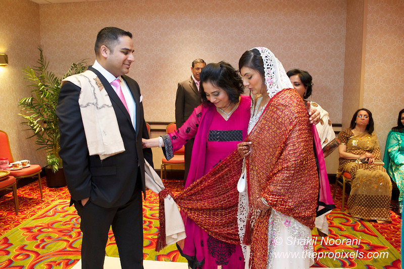 Naziya-Wedding-2013-06-08-01875.JPG