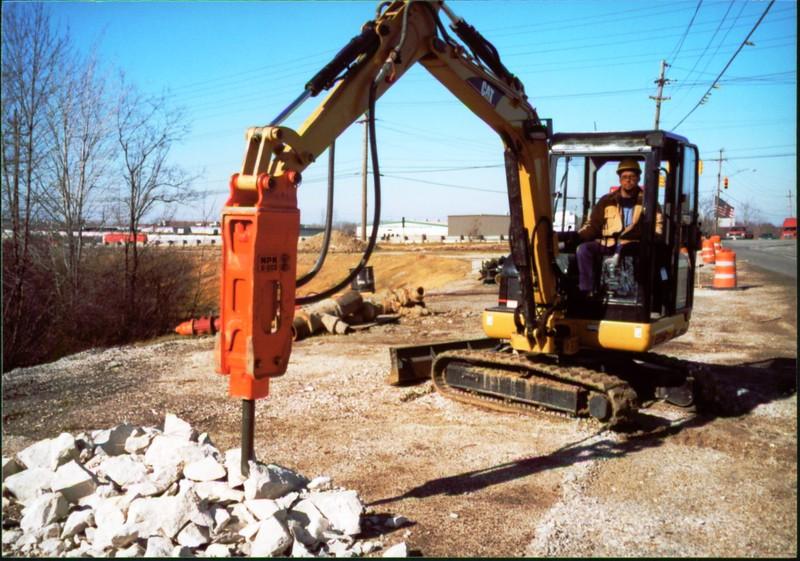 NPK E203 hydraulic hammer on Cat mini excavator - Oakleaf Rd (5).JPG